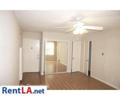 6112 Eleanor Ave #4
