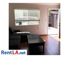 13833 Archwood St #GUESTHOUSE