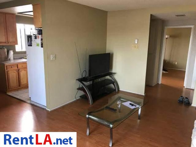 Roommate for 1bedroom apartment - 1/9