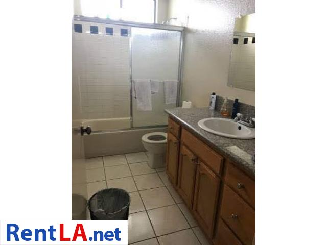 Roommate for 1bedroom apartment - 4/9