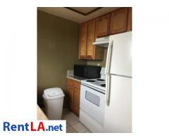 Roommate for 1bedroom apartment - Image 8/9