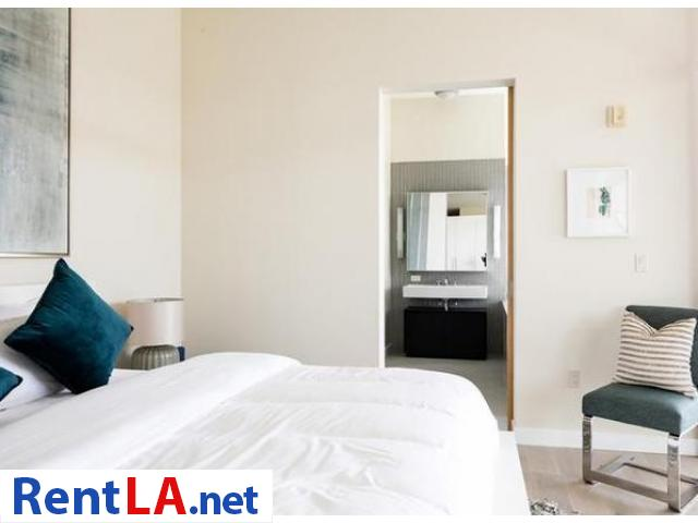 Very modern furnished 2BR/2BA Loft in Venice/MDR - 12/19