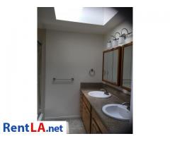 4bed/2.5bath Townhouse for rent - Image 9/20