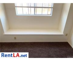 This four bedroom, three bath home - Image 11/12