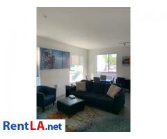 Available Private Bedroom and Bathroom in 2 bedroom Apartment Downtown - Image 3/9