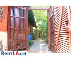 Hideaway in the Heart of LA