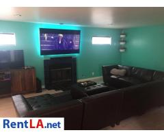 Room Available in 5BR/4.5b in Atwater Village