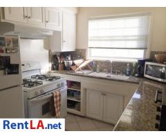 Private Room Available in a Great 2 BD / 1 BA Apartment