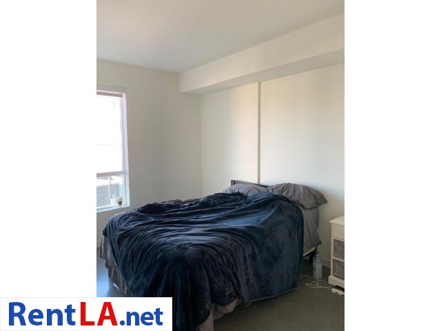 Available Private Bedroom and Bathroom in 2 bedroom Apartment Downtown - 9/9