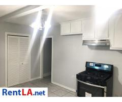 Cozy 2 bedrooms/1 bath unit ($2,500)