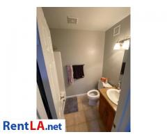 Shared Luxury Master Bedroom - Image 8/12