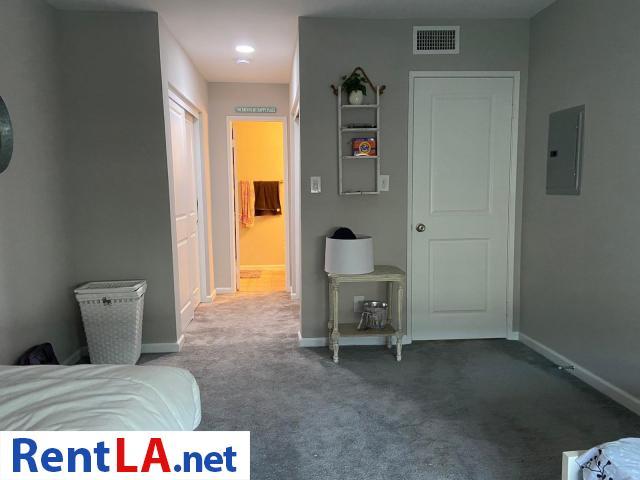 Shared Luxury Master Bedroom - 11/12
