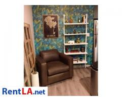 Modern 1 bedroom w/ private bath - walk to Downtown Culver City - Image 1/7