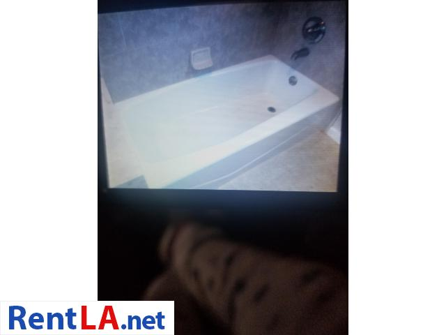 2 bdrm 1 bath/ dinning room  $2350 Lomita - 8/12