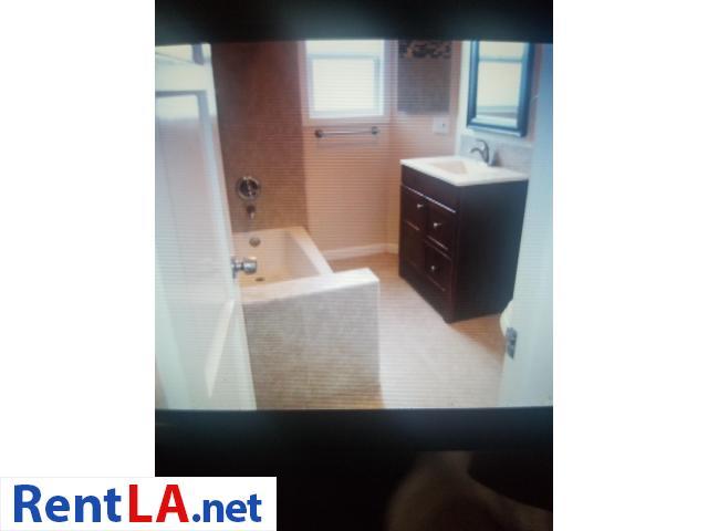 2 bdrm 1 bath/ dinning room  $2350 Lomita - 10/12