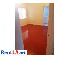 Large Master bedroom in mountain view house - Image 1/3