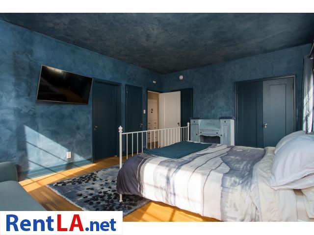 4 bedroom fully furnished house in Los Feliz - 3/20