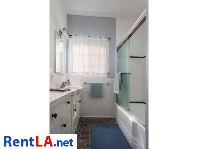 4 bedroom fully furnished house in Los Feliz - 5/20