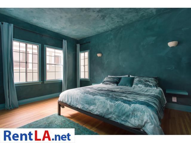 4 bedroom fully furnished house in Los Feliz - 6/20