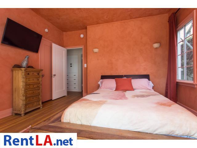 4 bedroom fully furnished house in Los Feliz - 10/20