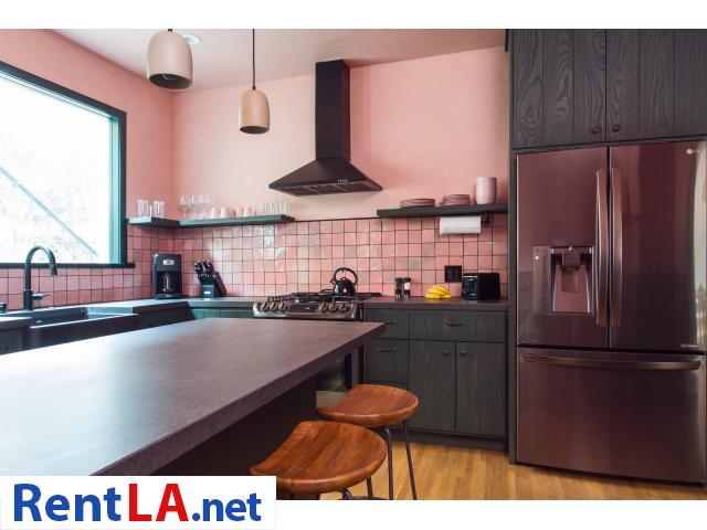 4 bedroom fully furnished house in Los Feliz - 15/20