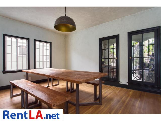 4 bedroom fully furnished house in Los Feliz - 16/20