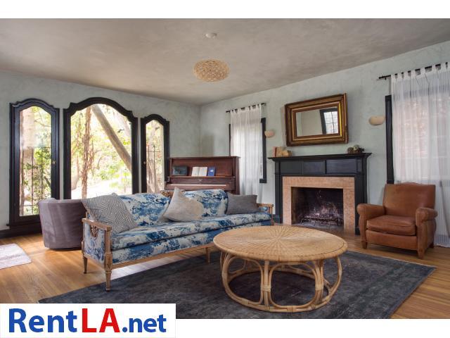 4 bedroom fully furnished house in Los Feliz - 18/20