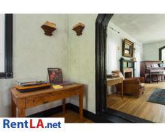 4 bedroom fully furnished house in Los Feliz - Image 19/20