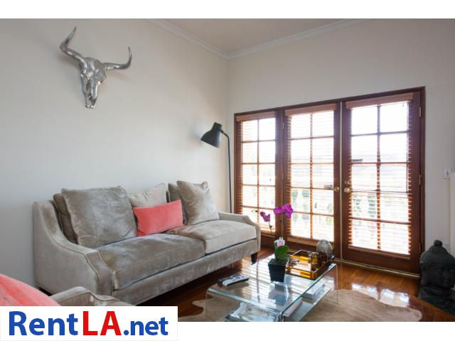 Glam meets rustic-chic in this cozy 1-bdrm fully furnished apartment - 2/10