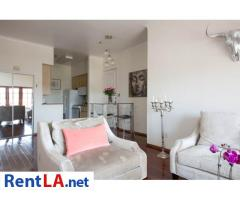 Glam meets rustic-chic in this cozy 1-bdrm fully furnished apartment - Image 3/10