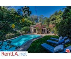 RARE Enchanting Villa majestically set behind gates with beautiful gar