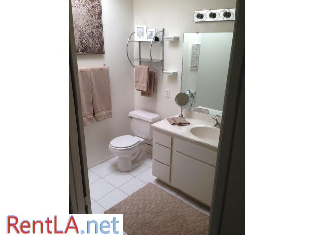 Private Room and Bathroom in Sherman Oaks - 1/3