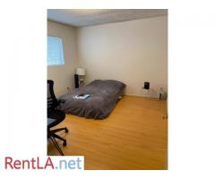 LARGE Private Room For Rent - Image 7/7