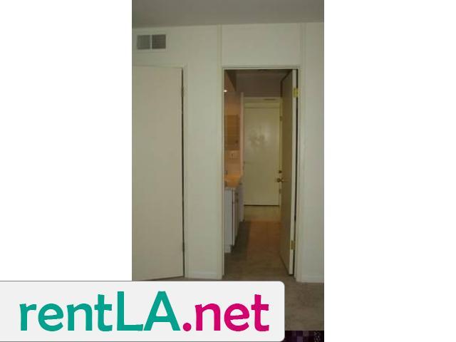 Gorgeous condo share, private en suite bathroom off bedroom - 3/14