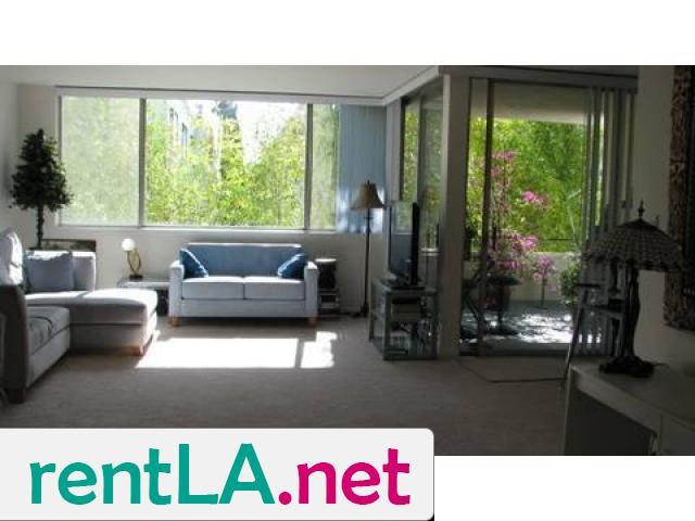 Gorgeous condo share, private en suite bathroom off bedroom - 4/14