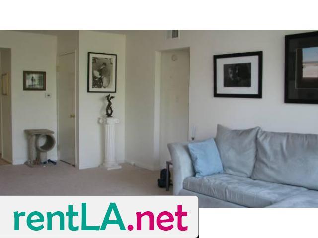 Gorgeous condo share, private en suite bathroom off bedroom - 8/14