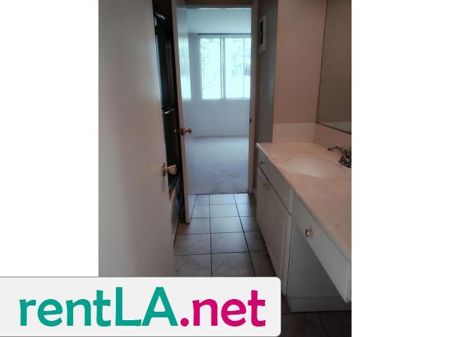 Gorgeous condo share, private en suite bathroom off bedroom - 9/14