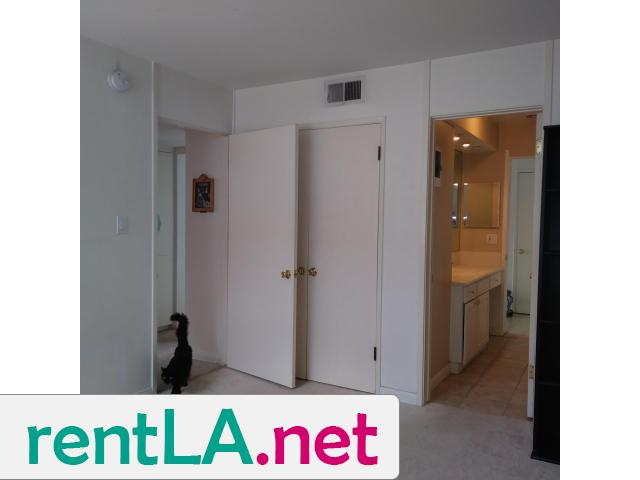 Gorgeous condo share, private en suite bathroom off bedroom - 11/14