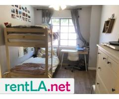 BED IN 2BR/2BA IN HOLLYWOOD, GREAT LOCATION AVAILABLE 6/1 - Image 1/5