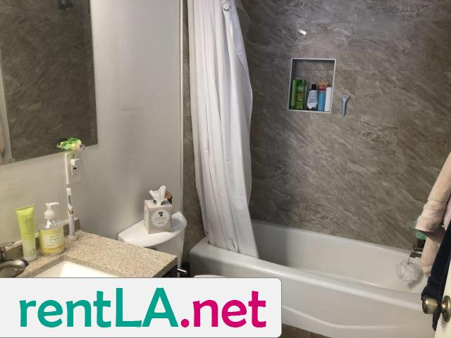 BED IN 2BR/2BA IN HOLLYWOOD, GREAT LOCATION AVAILABLE 6/1 - 2/5