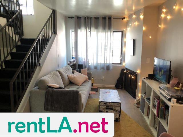 BED IN 2BR/2BA IN HOLLYWOOD, GREAT LOCATION AVAILABLE 6/1 - 3/5