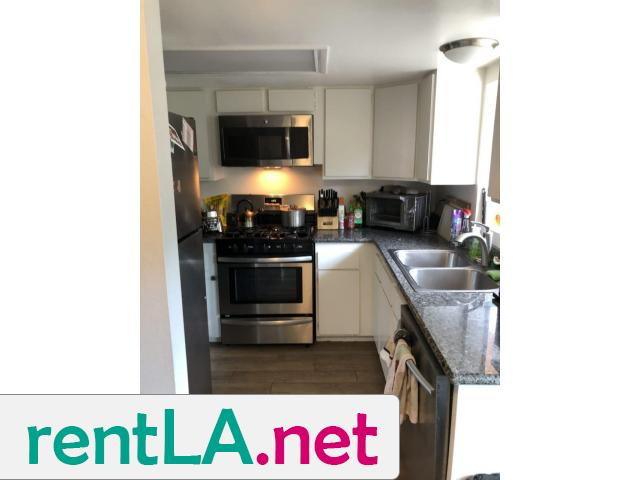 BED IN 2BR/2BA IN HOLLYWOOD, GREAT LOCATION AVAILABLE 6/1 - 4/5