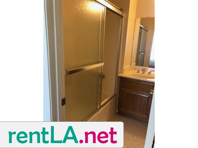 Large, sunny room, bath, walk-in closet - 1/6