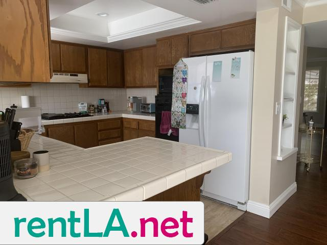 Large Master bedroom- Looking for two female roommates - 1/6