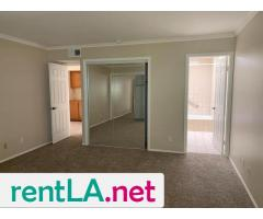 Large Master bedroom- Looking for two female roommates - Image 6/6