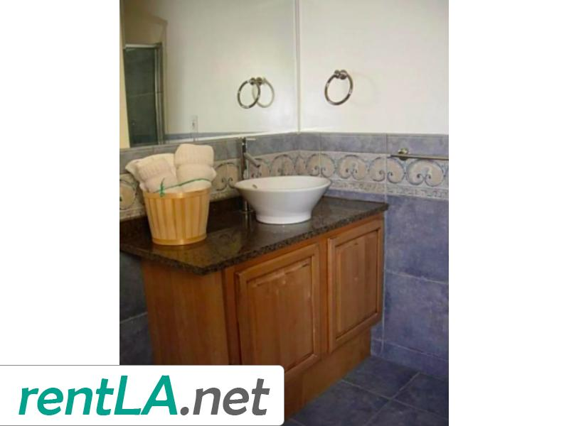 Rare Duplex in Coveted Beverlywood! - 4
