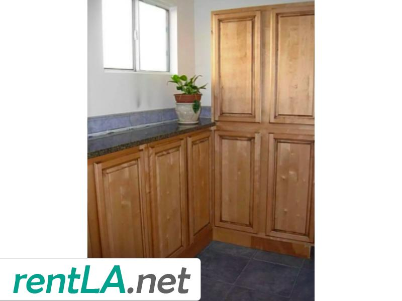 Rare Duplex in Coveted Beverlywood! - 5